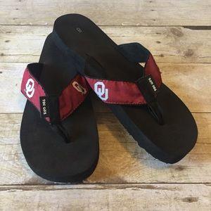 Shoes - Oklahoma OU Sooners flip flops